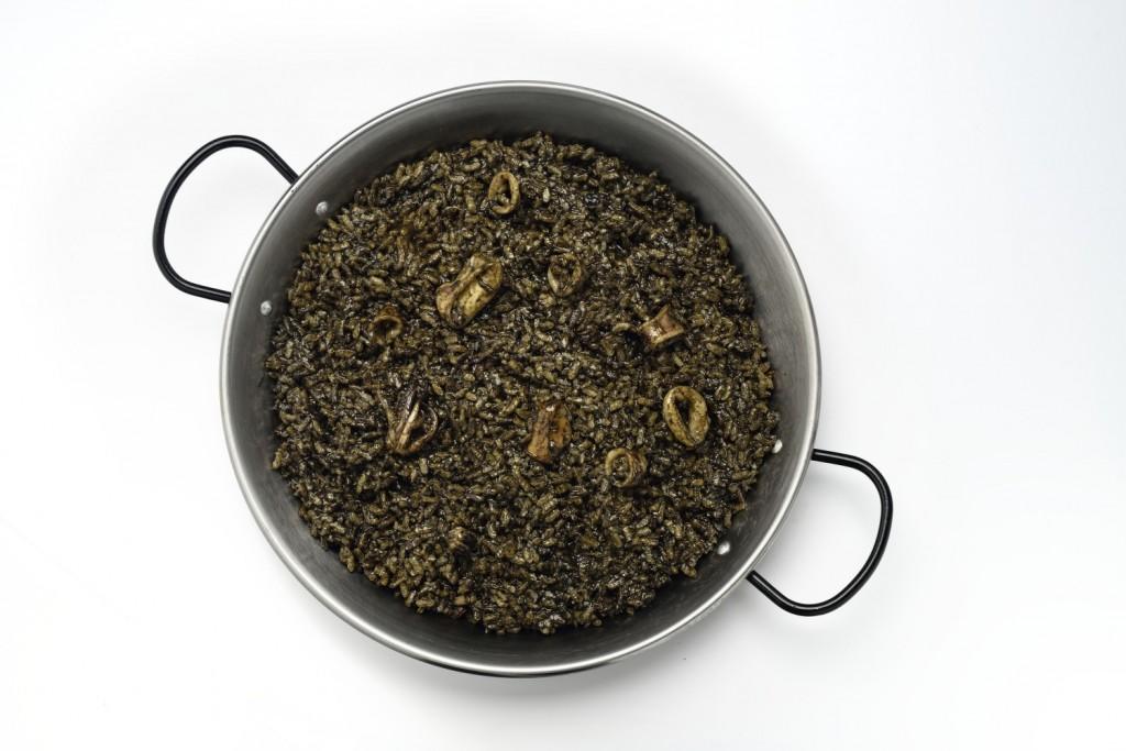 Arroz Negro en paella